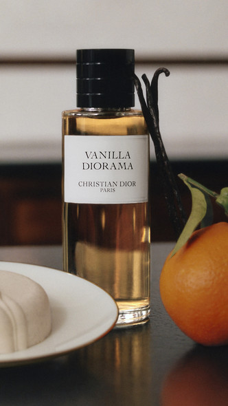 Фото №4 - Аромат дня: Vanilla Diorama от Maison Christian Dior