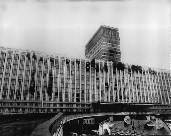 Фото №1 - Грандиозный пожар в гостинице «Россия» 25 февраля 1977 года