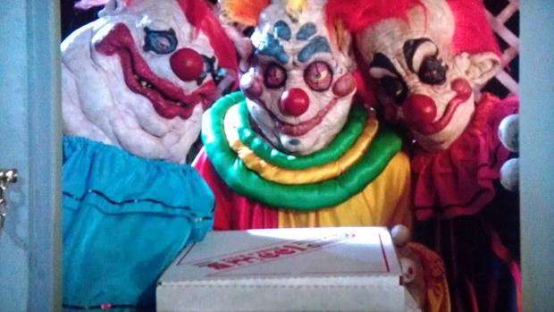 Фото №3 - Самые жуткие и пугающие ужастики про клоунов-убийц 🔪