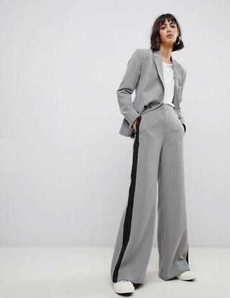 Купить недорогой костюм, какие костюмы сейчас в моде
