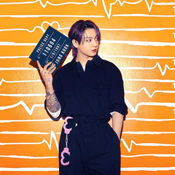 Фото №4 - Наручники-сердечки и тюремная роба: у BTS новая интересная фотосессия 💔