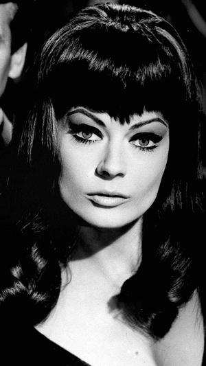 Фото №9 - Стрижки как у Хепберн, Бардо и других кинодив 60-х, которые мы снова будем носить