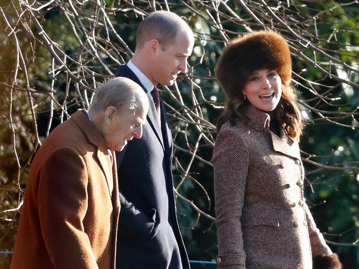 Фото №23 - Любимый дедушка: 25 самых трогательных фото принца Филиппа с внуками