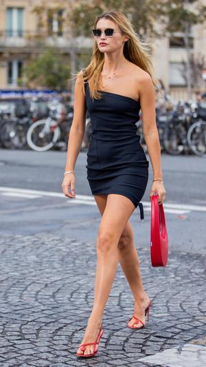 Фото №5 - 6 платьев, которые должны быть в гардеробе каждой женщины