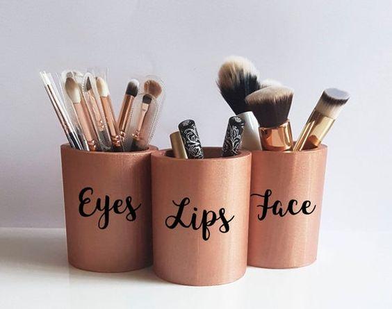 Фото №8 - Как правильно ухаживать за кистями для макияжа