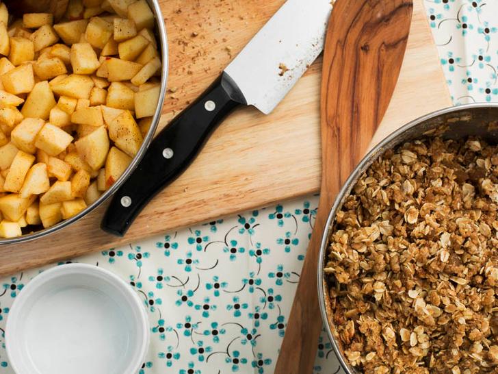 Фото №3 - Яблочный крамбл: история блюда и оригинальный рецепт