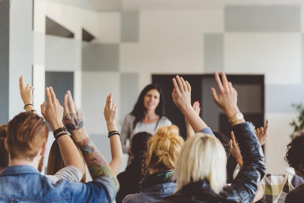 Фото №1 - Пережить родительское собрание: 6 правил, чтобы сохранить душевное равновесие
