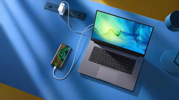 Фото №3 - Стиль большого города: как карьеристке выбрать ноутбук