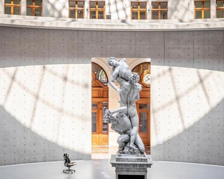 Фото №1 - Ускользающая красота: тающие скульптуры Урса Фишера в новом музее в Париже
