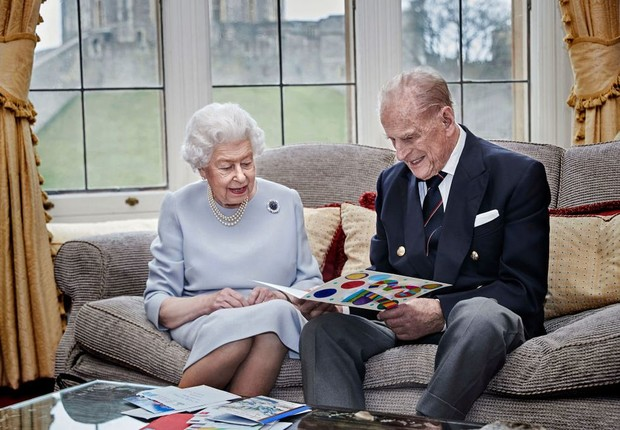 Фото №1 - Кто из членов королевской семьи будет присутствовать на похоронах принца Филиппа и как принц Гарри отбывает карантин по приезде из Канады