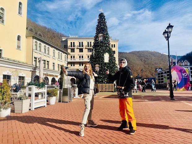 <p>Лиза Арзамасова отлично ладит с сыном Ильи Авербуха </p>