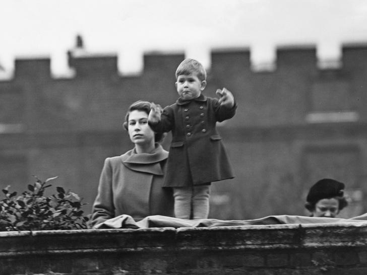 Фото №2 - Какое обещание принц Чарльз дал Королеве (и почему собирается его нарушить)