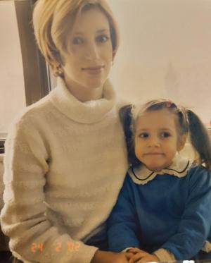 Фото №5 - Правда ли, что дочки становятся копиями своих мам: 15 фото тогда и сейчас