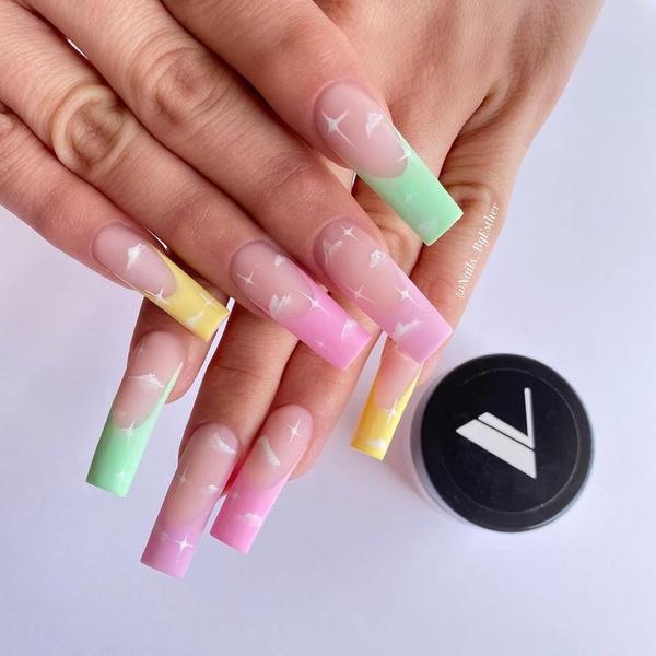 Фото №27 - Позалипать и вдохновиться: 45 крутых идей маникюра для длинных ногтей 💅