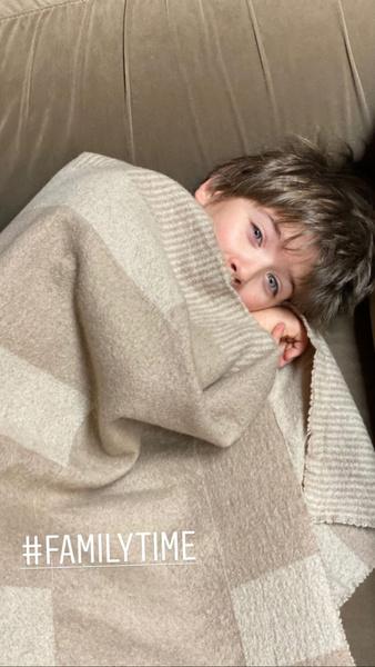 Фото №1 - 7-летний сын Александра Цекало и сестры Веры Брежневой растет голубоглазым озорником