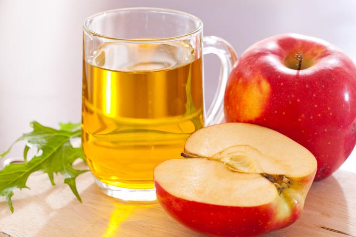 Зная, как использовать яблочный уксус для лица, можно улучшить свою внешность