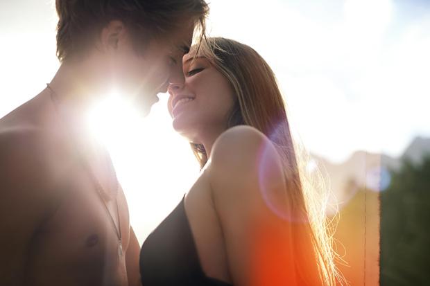 Фото №2 - Как вести себя после первого свидания: инструкция для пионеров любви
