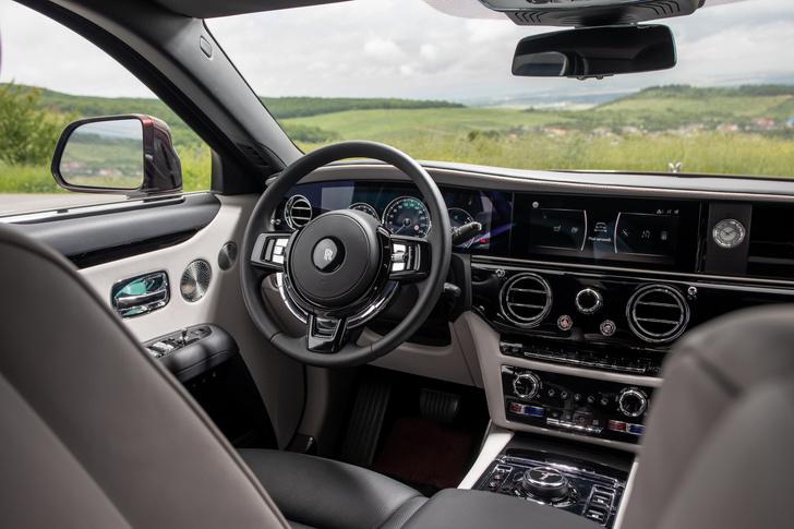 Фото №3 - Ти-ши-на! 10 важных фактов о новом Rolls-Royce Ghost