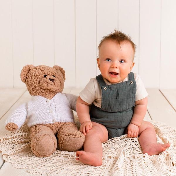 Фото №5 - «Братик всегда рядом!» Родители сшили ребенку мишку из праха старшего сына