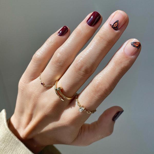 Фото №1 - Маникюр для коротких ногтей: 15 модных идей