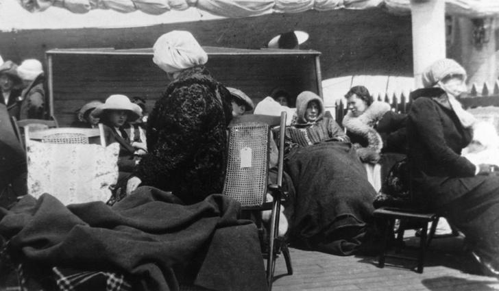 Фото №7 - Непотопляемая: история Вайолетт Джессоп, которая выжила после крушения трех кораблей, включая «Титаник»