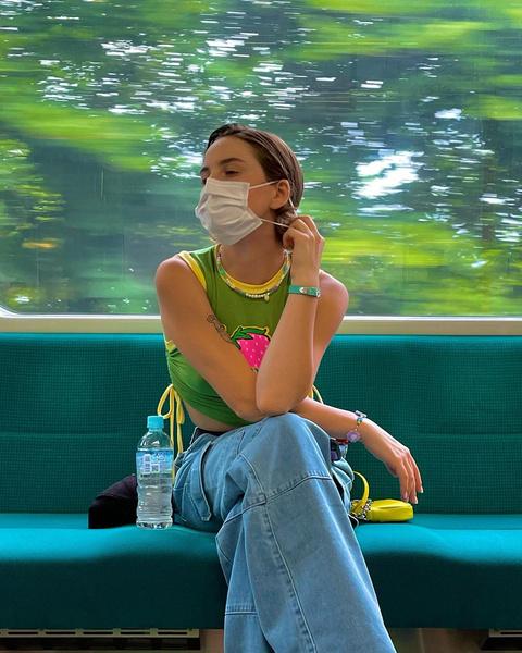 Фото №2 - Как стильно уложить короткие волосы: учимся у Марьяны Ро