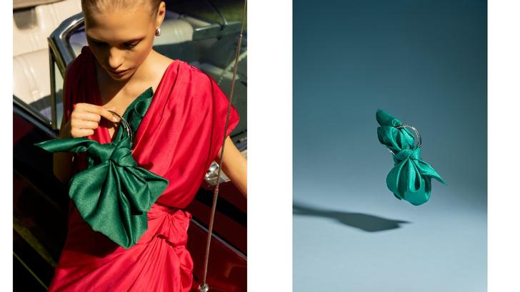 Фото №1 - Green summer: атласная сумка Madame Chatelet, которая станет самым красивым аксессуаром в вашем гардеробе
