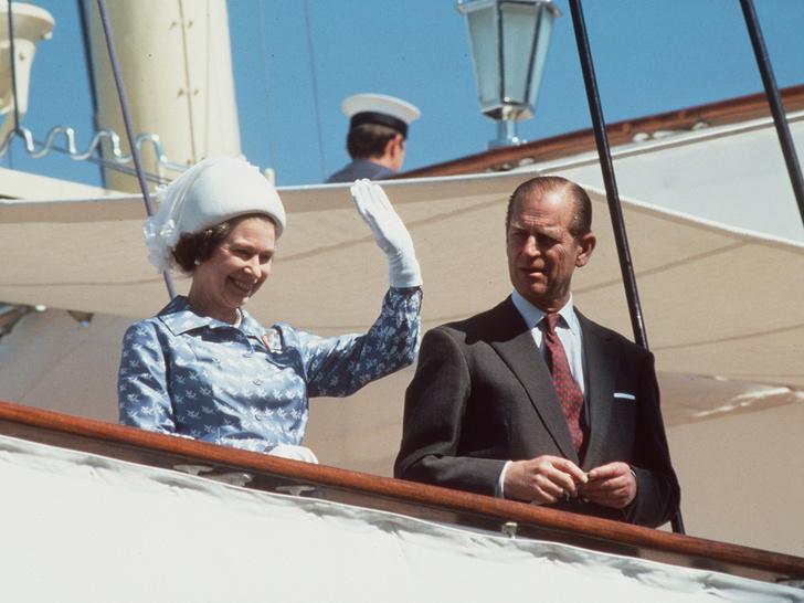 Фото №1 - Плавучий дворец Елизаветы: как выглядела любимая яхта Королевы (и как она проводила там время)