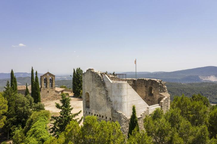 Фото №3 - Студия Meritxell Inaraja восстановила замок XII века в Каталонии