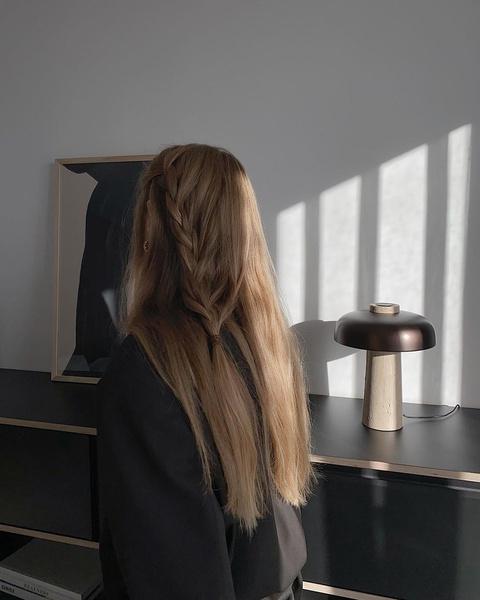 Фото №7 - Хвост как у Арианы Гранде и еще 7 стильных причесок для длинных волос