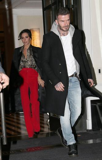 Фото №12 - Как выглядят Виктория и Дэвид Бекхэмы на улице, когда думают, что их никто не видит