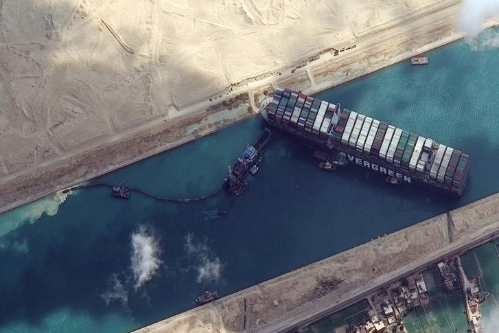 Фото №1 - 12 глубоководных фактов о Суэцком канале— главной морской срезке в истории человечества