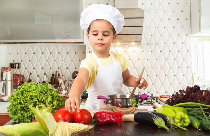 С какого возраста ребенок может готовить и пользоваться плитой