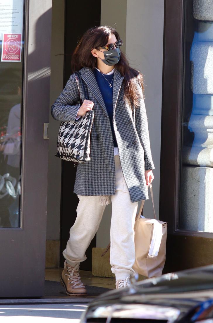 Фото №2 - Выгодный союз: носите два клетчатых принта так же, как это делает Кэти Холмс