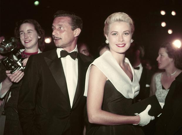 Фото №1 - «Секретарь стиля» Олег Кассини: как создать гардероб для Жаклин Кеннеди и влюбить в себя Грейс Келли