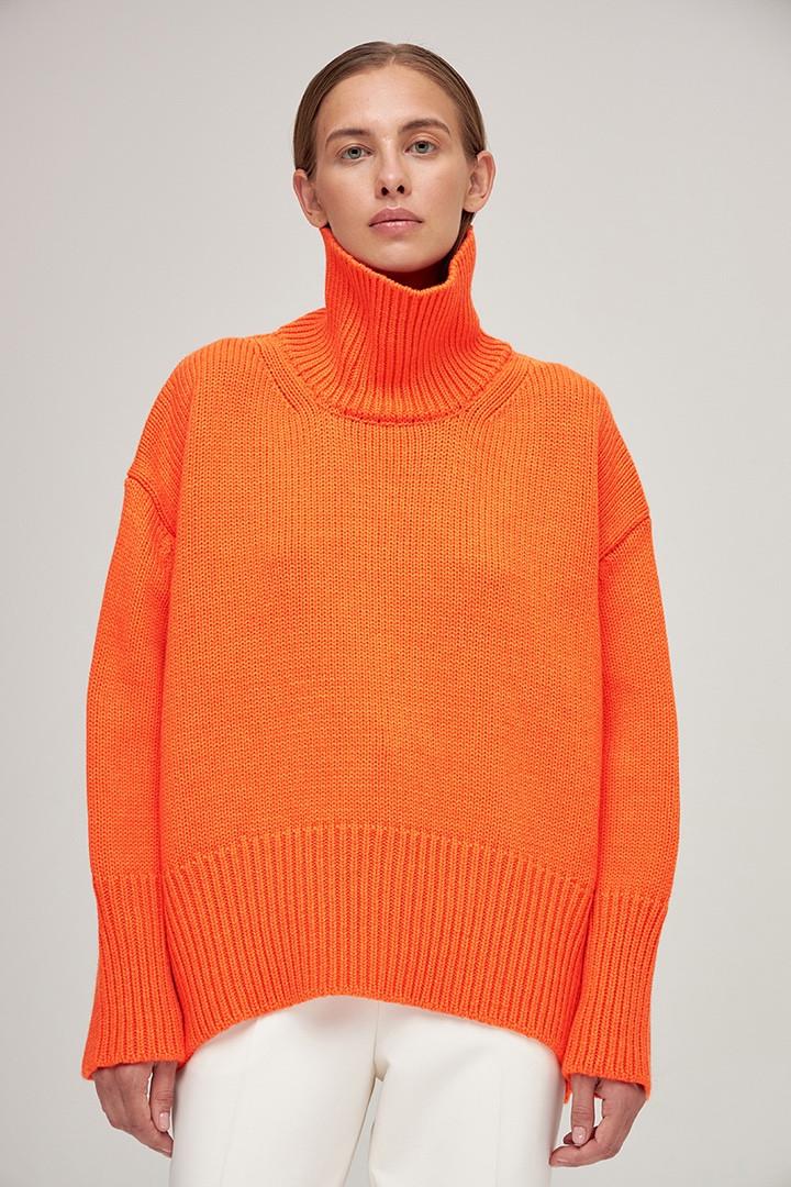 Фото №6 - 12 ярких свитеров, которые сделают вашу осень уютной