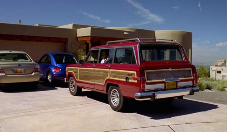 Фото №3 - Возвращение короля— Jeep представил огромный роскошный внедорожник