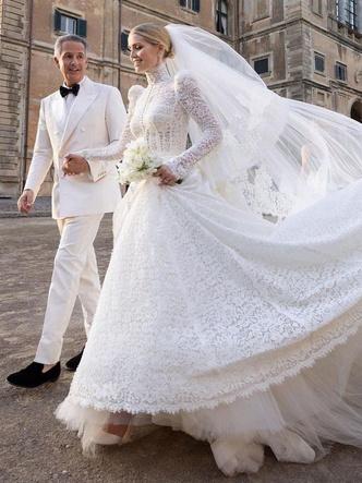 Фото №2 - Знаменитые невесты, платьями которых вдохновлялась леди Китти Спенсер