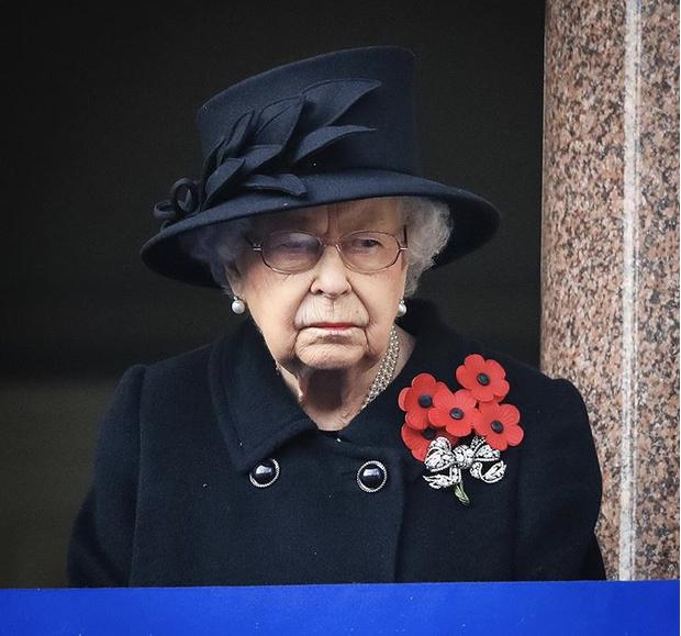 Фото №4 - Сама элегантность: Кейт Миддлтон впервые после начала пандемии встретилась с королевской семьей