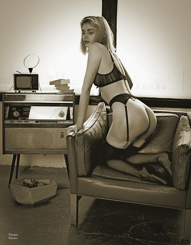Фото №5 - #Нюдсочетверг: откровенные фотографии самых красивых девушек из «Твиттера». Выпуск 7