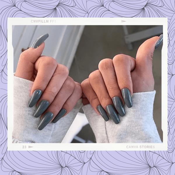 Фото №1 - Серый— самый модный цвет осеннего маникюра. Доказывает Селена Гомес 💅