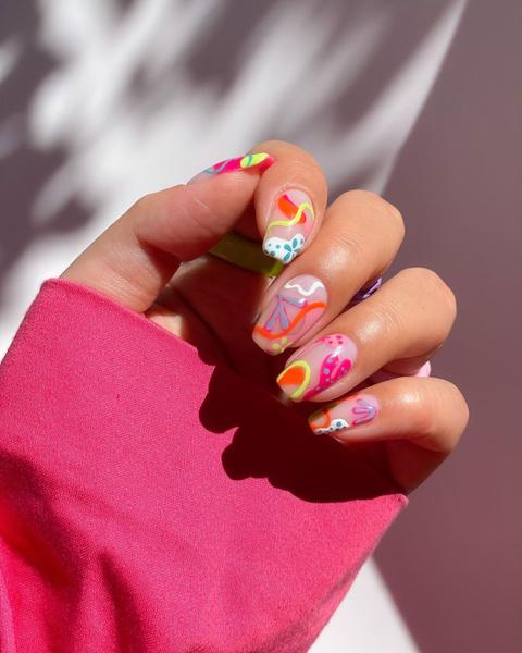 Фото №9 - Креативный маникюр на короткие ногти: 9 стильных нейл-дизайнов
