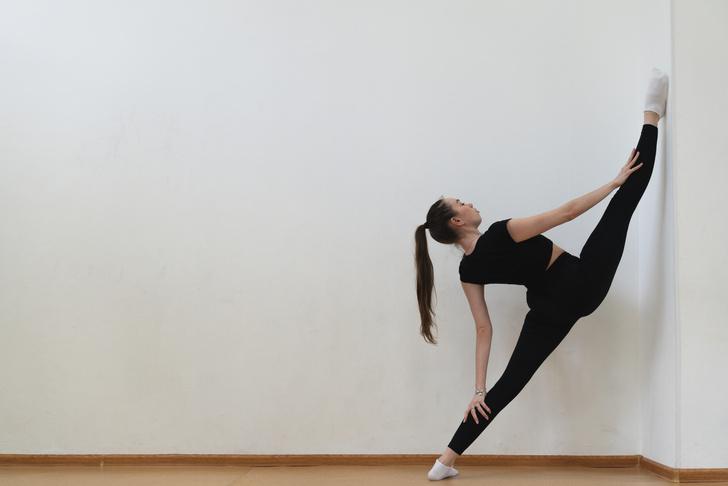 Простые упражнения для растяжки, которые помогут сесть на шпагат за 60 дней