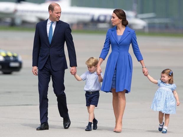 Фото №2 - Ход герцогини: почему поклонники БКС уверены, что скоро Кейт объявит о четвертой беременности