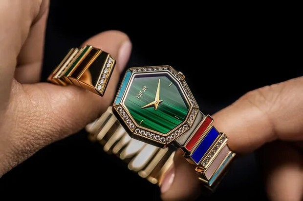 Фото №2 - Сияние кристаллов: как выглядит новая ювелирная коллекция Gem Dior