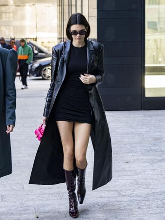 Фото №6 - Кожаные тренчи: как носить самые модные пальто сезона