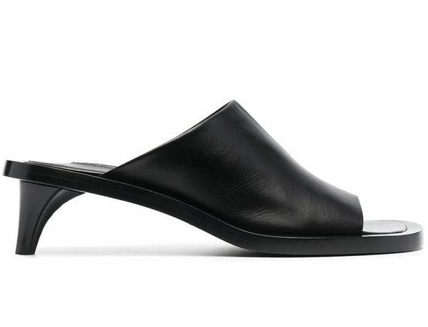 Фото №14 - Почему мюли— это обувь для мыслителей и где купить удачную пару?