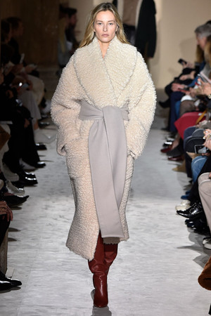 Фото №1 - 40 лучших образов с Недели моды в Милане