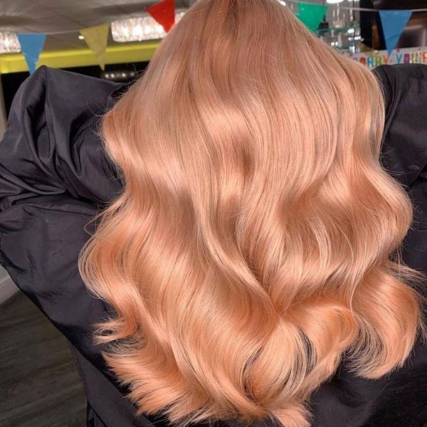 Фото №4 - Персиковый блонд: самое трендовое летнее окрашивание 🍑