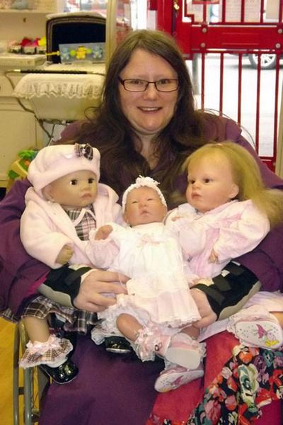 Фото №4 - «То ли люди, то ли куклы»: зачем взрослые играют с силиконовыми младенцами и резиновыми женщинами
